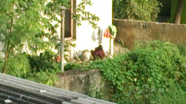 டிஜிட்டல் விளையாட்டு மைதானம் - ஈவா லோவியா பொதுவில் மார்பகங்களையும் சிறந்த hd ஆபாச கழுதைகளையும் காட்டுகிறது