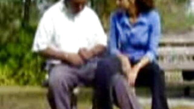 மெல்லிய கருப்பு xnxx சிறந்த டிசம்பர் யோனியை அழிக்கும் பெரிய வெள்ளை சேவல்