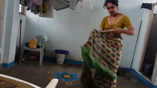 ஹாட் லத்தீன் வெப்கேமில் ஒரு உலகின் சிறந்த ஆபாச தளத்தில் டில்டோவை சவாரி செய்கிறார்