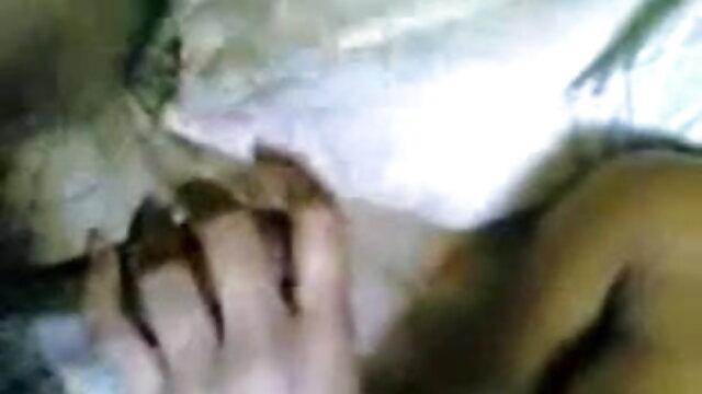 கருப்பு சேவலை மிகவும் சிறந்த ஆபாச ஜோடிகளுக்கு நேசிக்கிறேன்