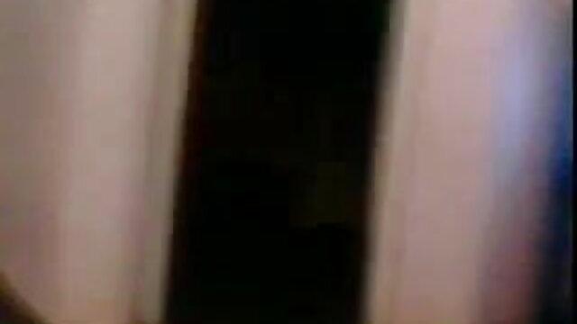 பெரிய மார்பகங்கள் சிறந்த hd ஆபாச திரைப்படங்கள் பொன்னிற மனைவி ஒரு பொது பூங்காவில் ஒளிரும்