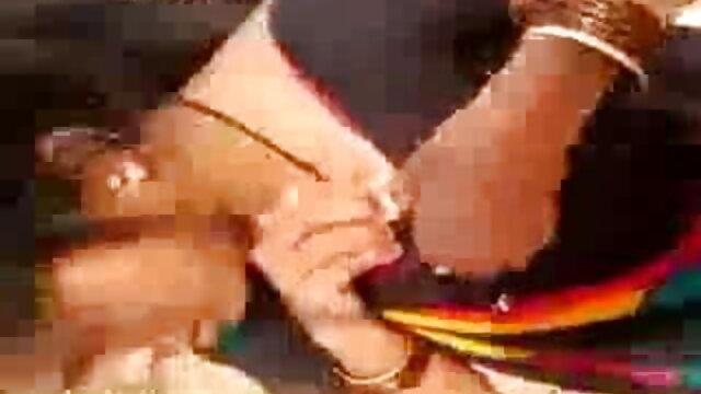எமிலி அடிசன் டாப் 10 இந்திய ஆபாச தளங்கள் ரெட்ஹெட் பிக் டைட்ஸ் தேய்த்தல் மற்றும் அவளது ஈரமான புண்டை.