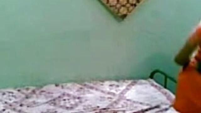 ரொமான்டிக் ப்ளோஜாப் டு லவர் பிளஸ் முகத்திற்கு மிகவும் அழகாக இருக்கிறது நண்பர்கள், காதலி ஆபாச