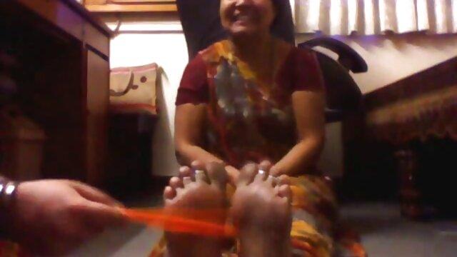 டானி உட்வார்ட் ஒரு நல்ல சிறந்த desi porn சேவல் சவாரி