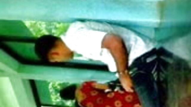 வியாபார பொன்னிற மனைவி கலந்துகொள்ள உதவினார் சிறந்த ஆபாச லெஸ்பியன்