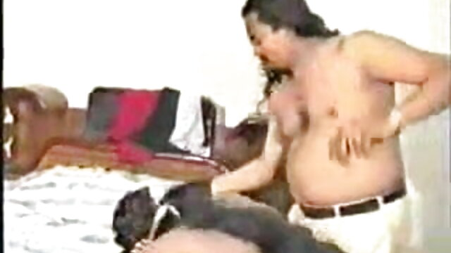 பதின்வயது xxx, வீடியோ சிறந்த தரம் மகள் வேலையிலிருந்து பதட்டமான படி அப்பாவைப் பிடித்தாள்