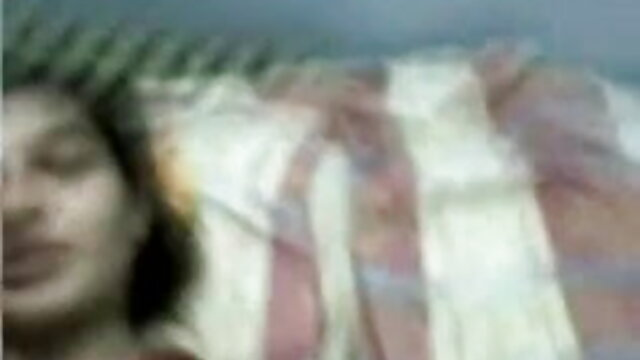 கவர்ச்சியான காலுறைகளில் உக்ரேனிய ஆபாச திரைப்படங்கள் பட்டியல் குழந்தை காரா மெல் அவளது இறுக்கமான புண்டையைப் பிடிக்கிறாள்