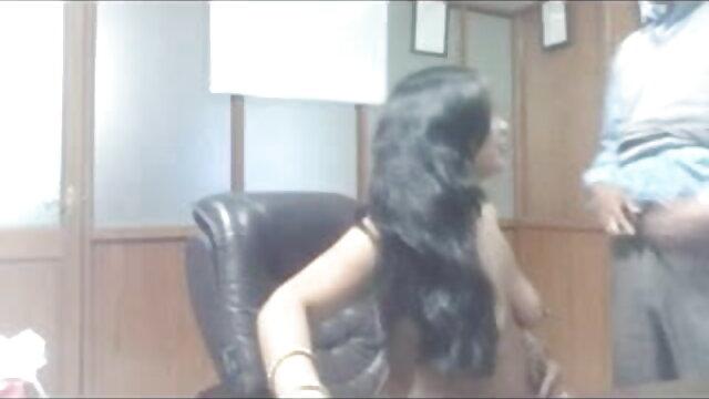 குதிரை மீது இளம் பெண் படிப்பு! டாப் டென் செக்ஸ் வீடியோ