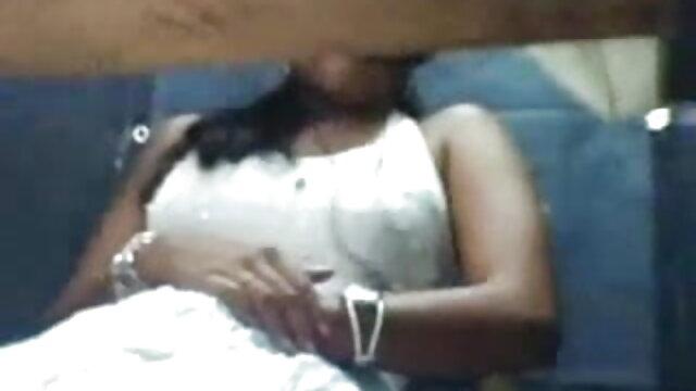 மிஷனரி ஆபாச சூடான ரஷ்ய பெண் ஆபாச வீடியோ மேல் பெரிய டிக் உறிஞ்சும்