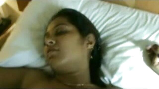 ஸ்டீவி ரே ஒரு அதிர்ஷ்ட சிறந்த ஆபாச முழு hd கீக்கின் சில டிக் எடுக்கிறார்