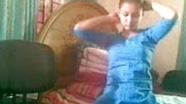 யோகா பேண்ட்டில் ஆசிட் மெலிதான உயர் தரமான hd ஆபாச இறுக்கமான டீன்